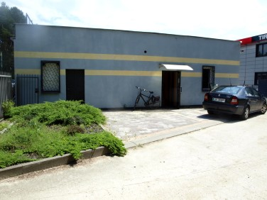 Budynek użytkowy Hola