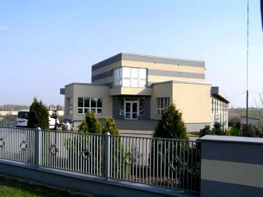 Budynek użytkowy Brzeziny