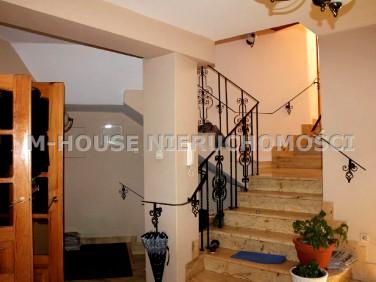 Dom 4-piętrowy